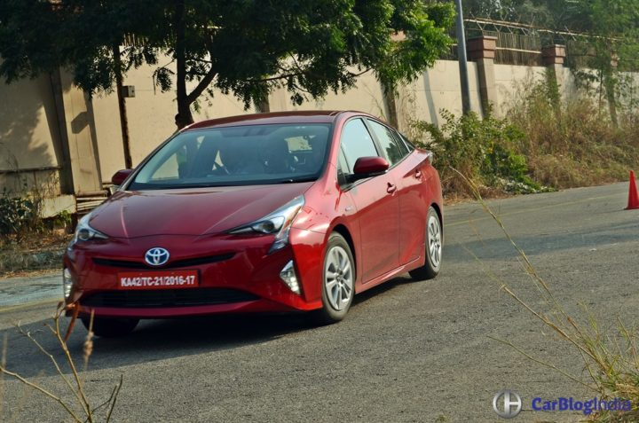 New Toyota Prius India Launch in January 2018; Price 40 lakhs new-toyota-prius-test-drive-review-india-6