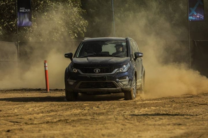 best suv in india 2017 - tata hexa experience centre gurugram images