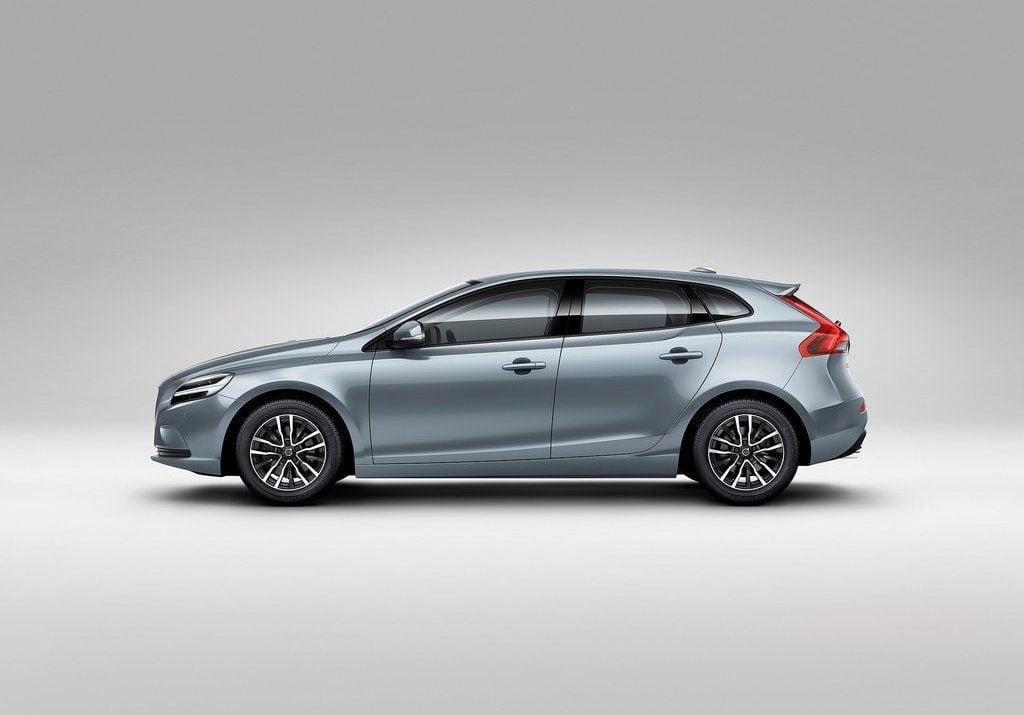 Volvo V Car Price
