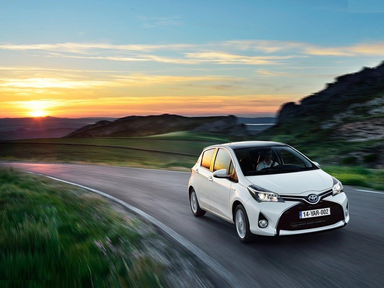 Toyota Yaris India Images Front Angle Carblogindia