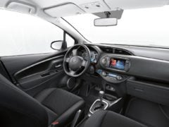 toyota-yaris-india-images-interior
