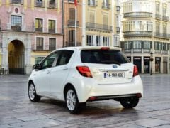 toyota-yaris-india-images-rear-angle-1