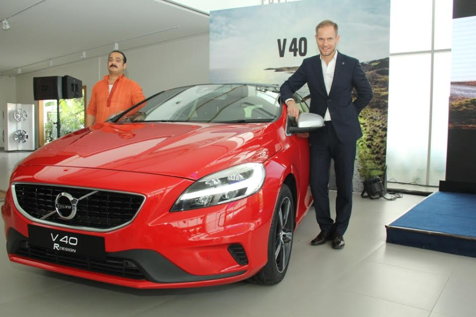 2017 Volvo V40 India Price Specifcations Feature Images Cross