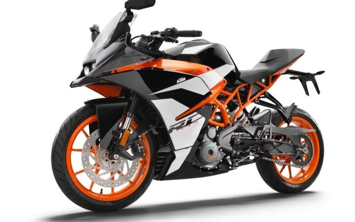 Best Bikes Under 2 Lakhs - KTM RC 200