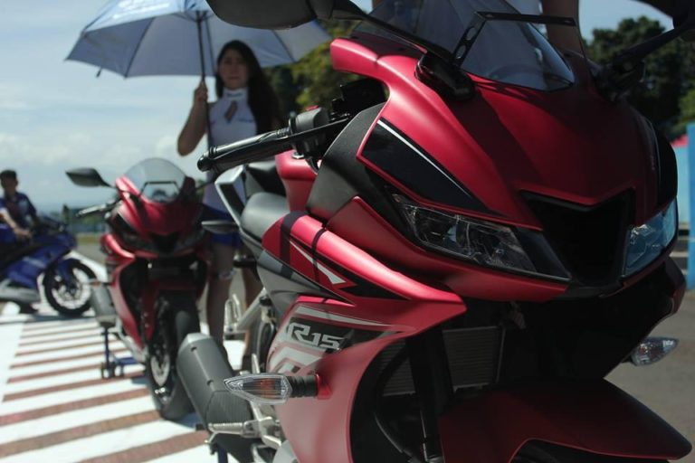 Yamaha R15 V3.0 REVEALED! India Launch Soon
