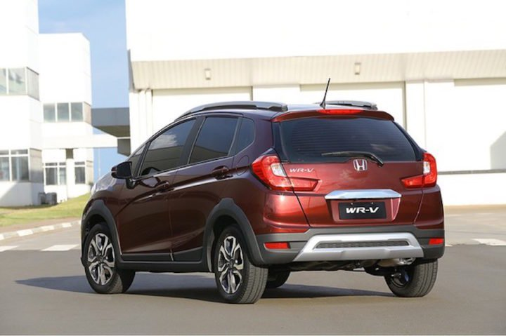 Honda WR-V images rear quarter