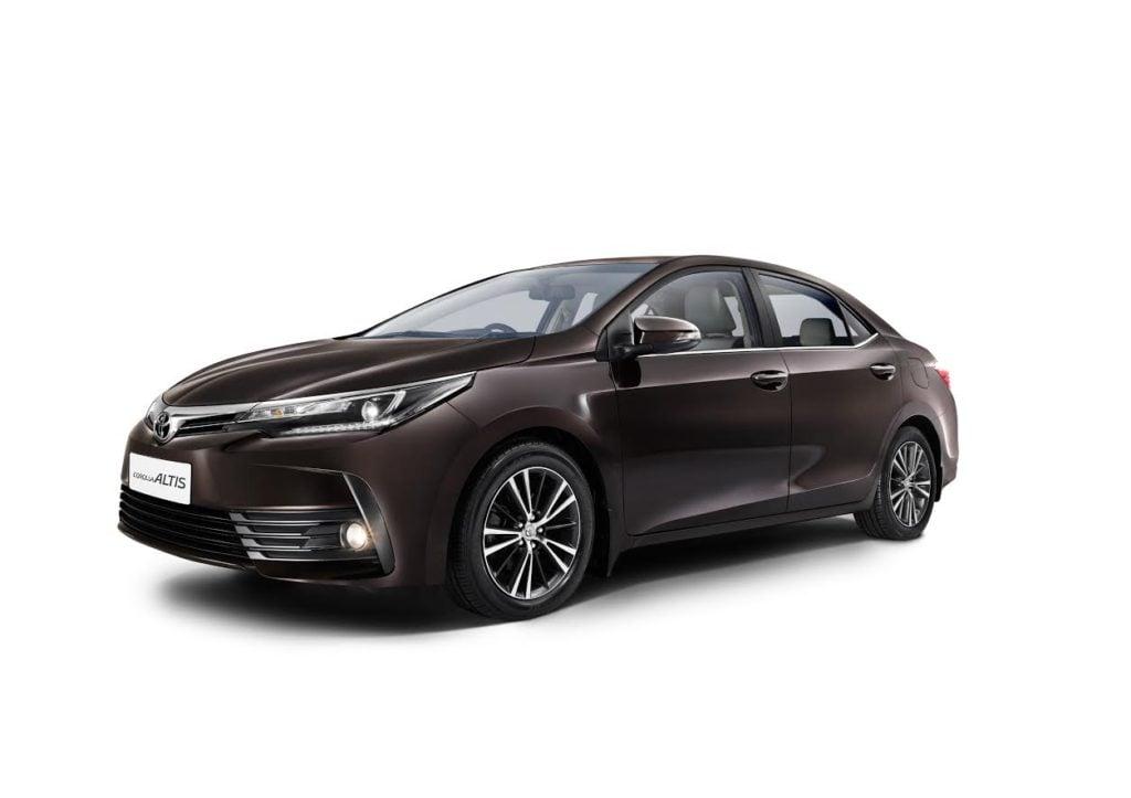 Toyota New Car 2017 >> new toyota corolla altis 2017 front angle - CarBlogIndia