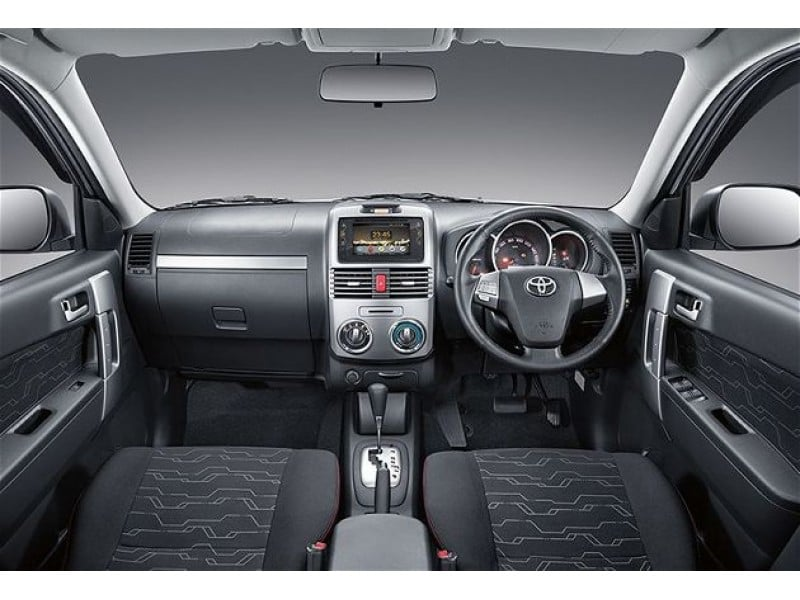 toyota rush india image interior dashboard - CarBlogIndia
