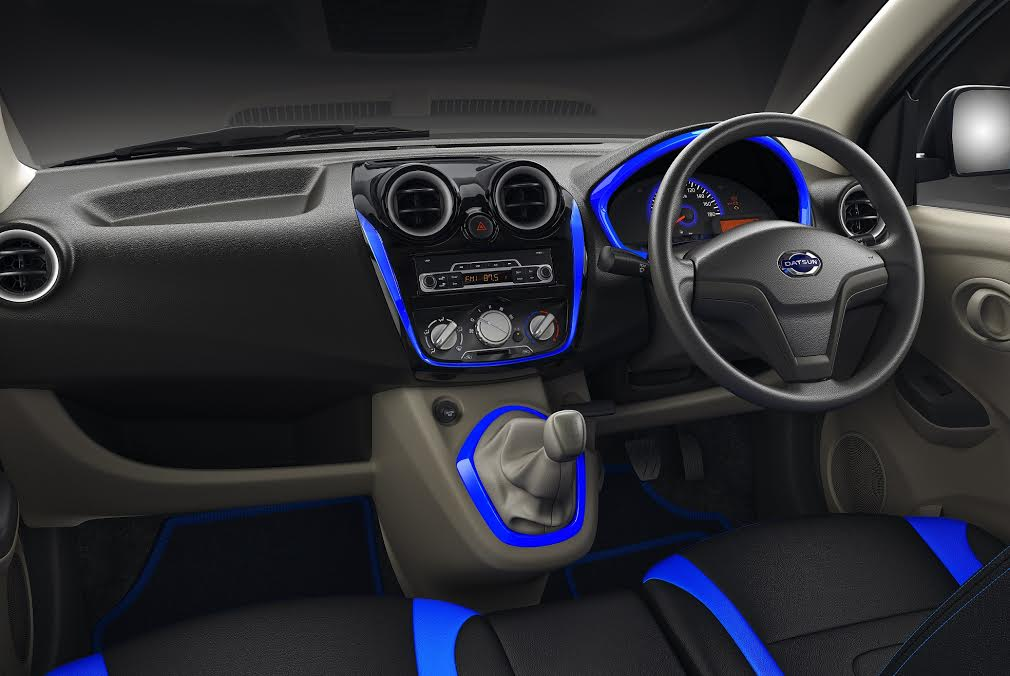datsun go plus special anniversary edition interior dashboard images carblogindia. Black Bedroom Furniture Sets. Home Design Ideas