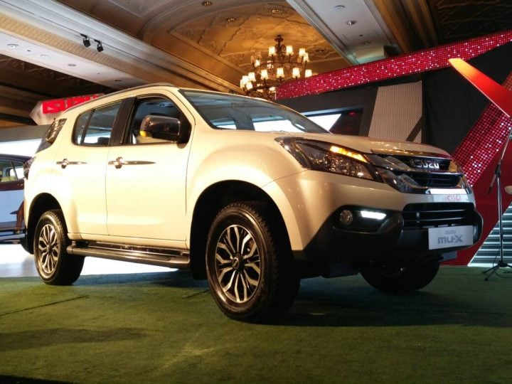 2017 isuzu mu x india images front angle
