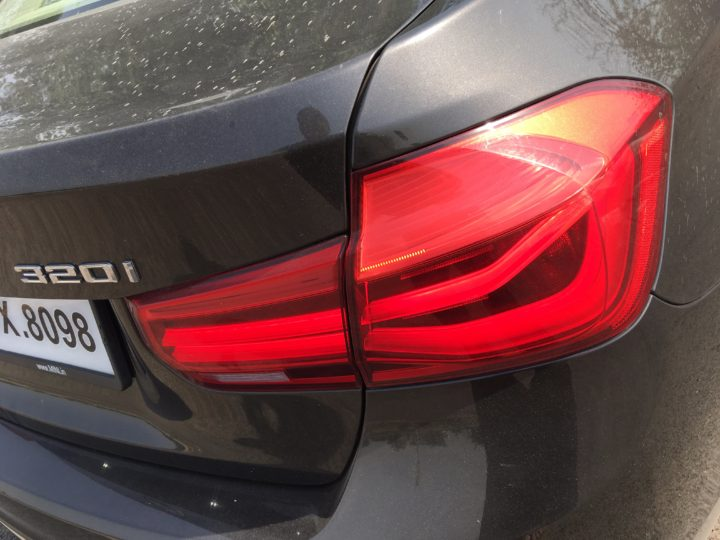 bmw 320i test drive review images