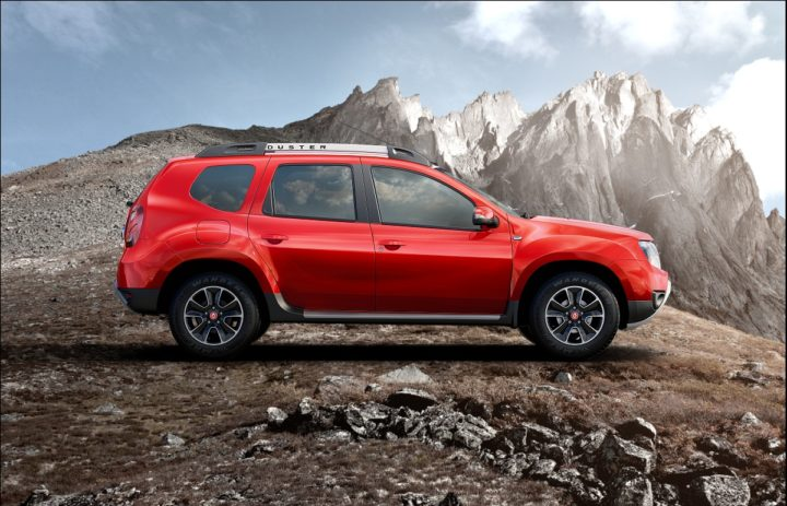 renault duster petrol automatic side