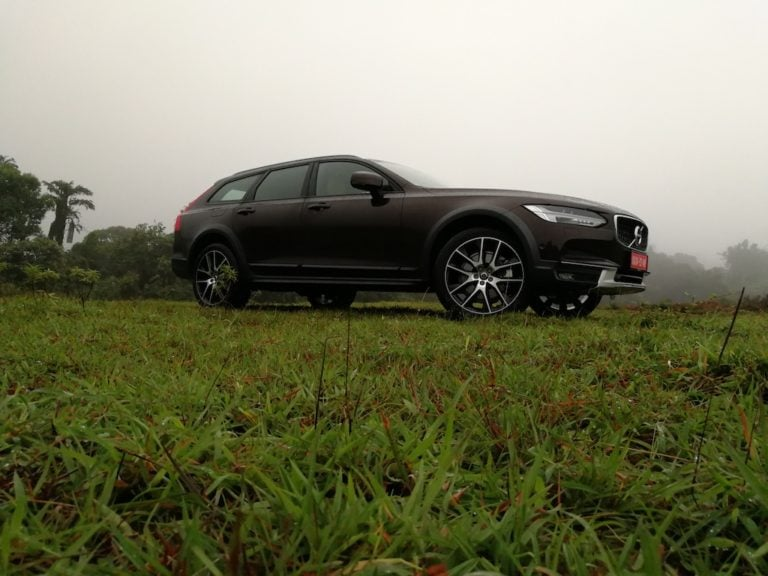 Vovlo V90 Cross Country Launched In India At Rs. 60 Lakhs