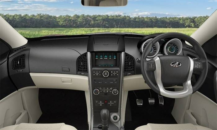 mahindra xuv500 images interior dashboard official