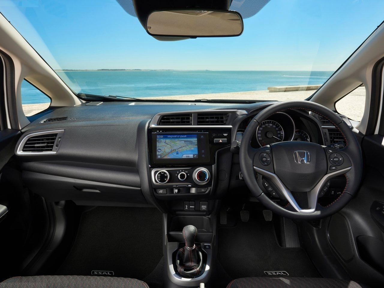 2018 honda jazz facelift images interior dashboard 1 carblogindia. Black Bedroom Furniture Sets. Home Design Ideas