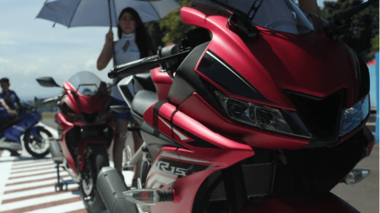 New Yamaha R15 V3 India Launch Date Price Specs Images
