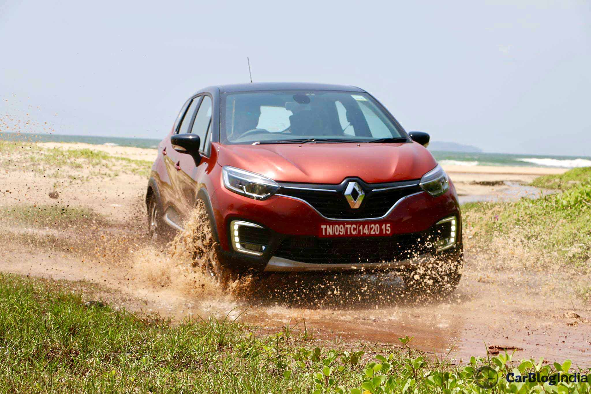 renault captur test drive review with price specifications mileage pics. Black Bedroom Furniture Sets. Home Design Ideas