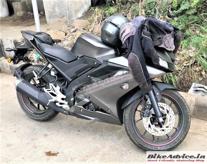 Yamaha R15 v3 India images