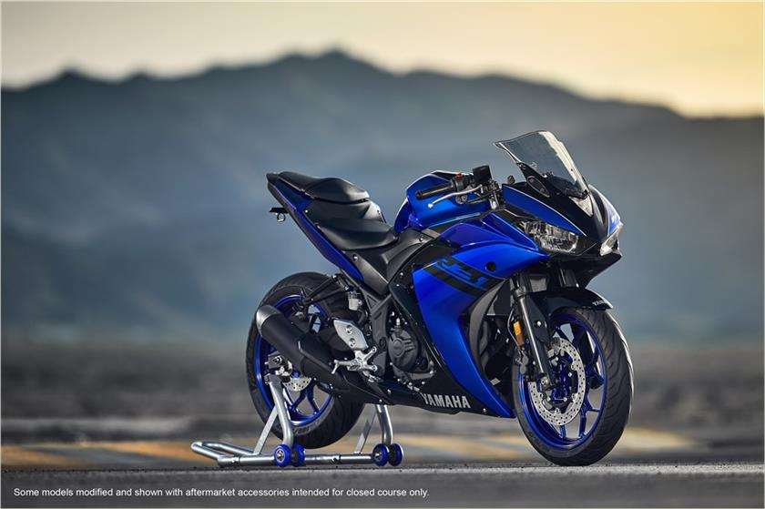 yamaha r3 facelift unveiled india launch at auto expo 2018. Black Bedroom Furniture Sets. Home Design Ideas