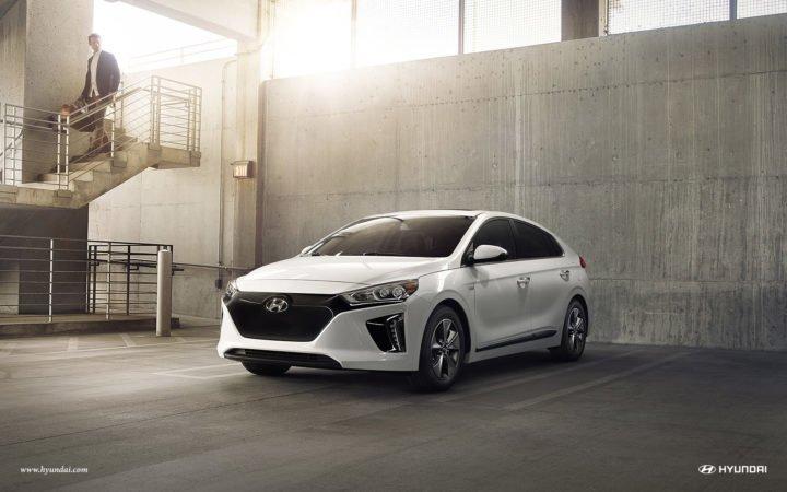 2017 Hyundai Ioniq (1)
