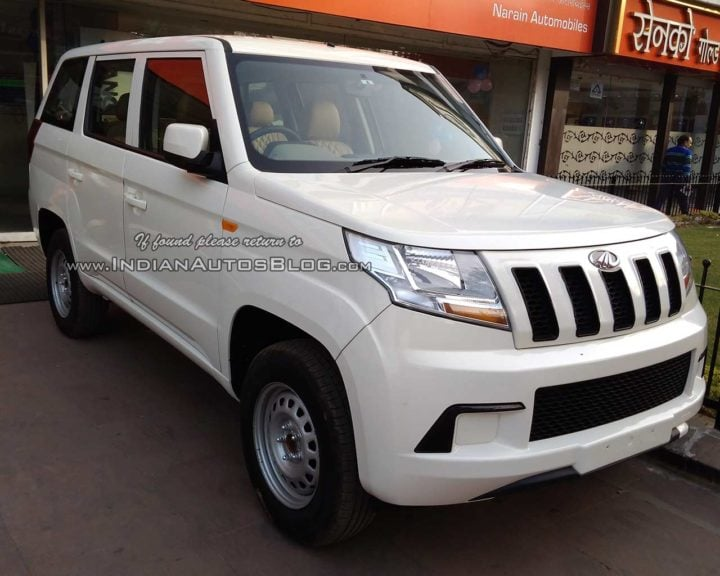 Mahindra TUV300 Plus Images front three quarters lucknow