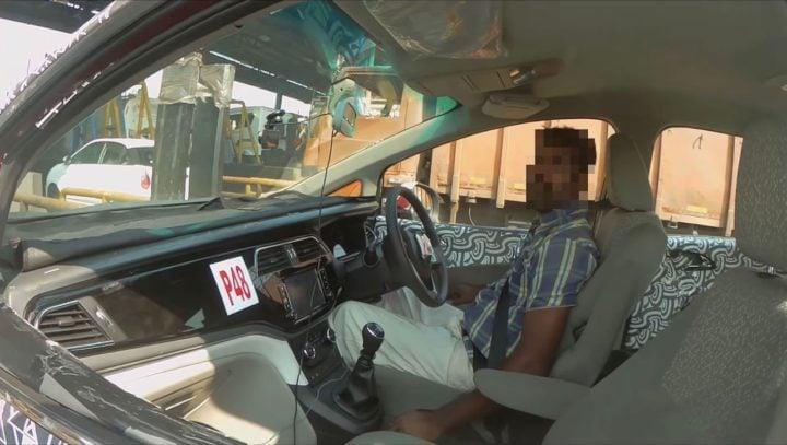 Mahindra U321 interior dashboard image