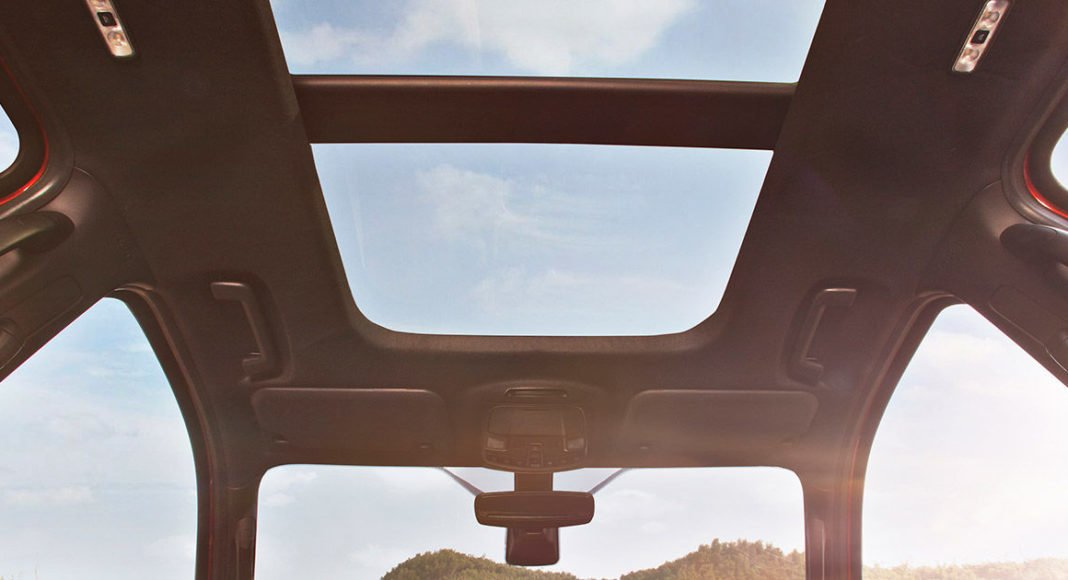 ford endeavour 2.2 electric panoramic sunroof