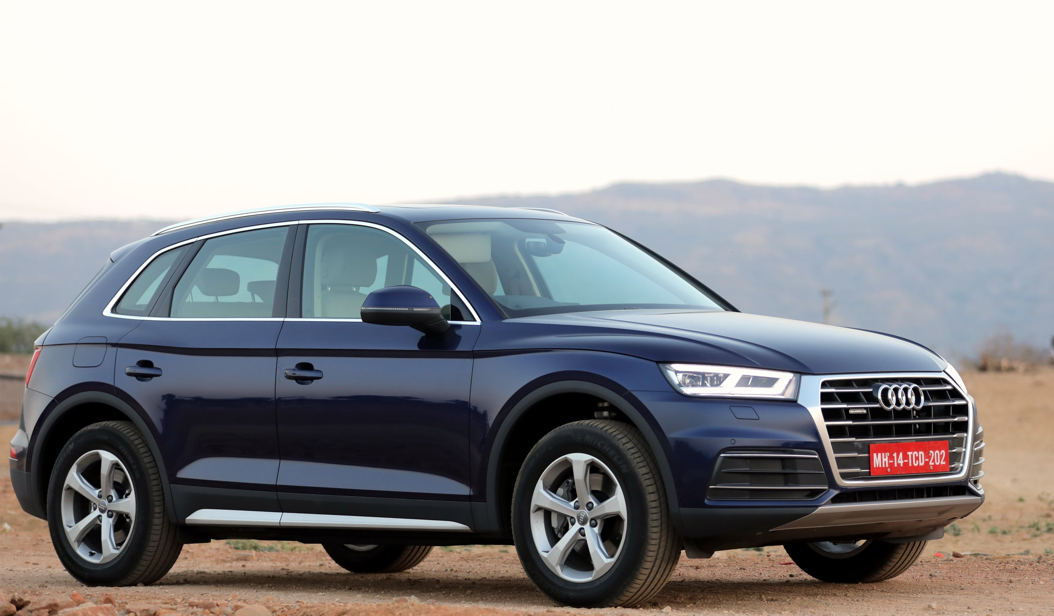 new 2018 audi q5 launched in india prices features. Black Bedroom Furniture Sets. Home Design Ideas