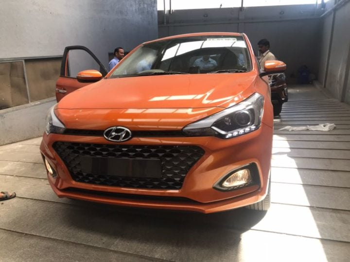 2018 Hyundai i20 facelift Flame Orange front image