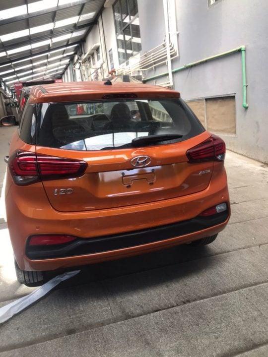 2018 Hyundai i20 facelift Flame Orange rear image