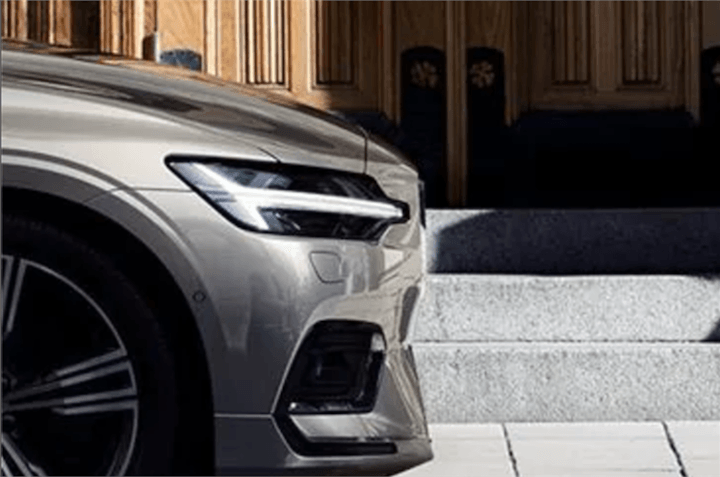2018 Volvo V60 headlamps
