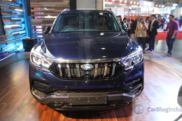 Mahindra XUV700 front profile