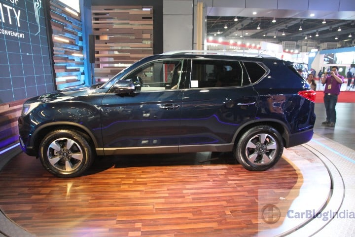 Mahindra Xuv700 Is It The Rebadged Ssangyong G4 Rexton