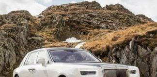 2018 Rolls Royce Phantom front profile