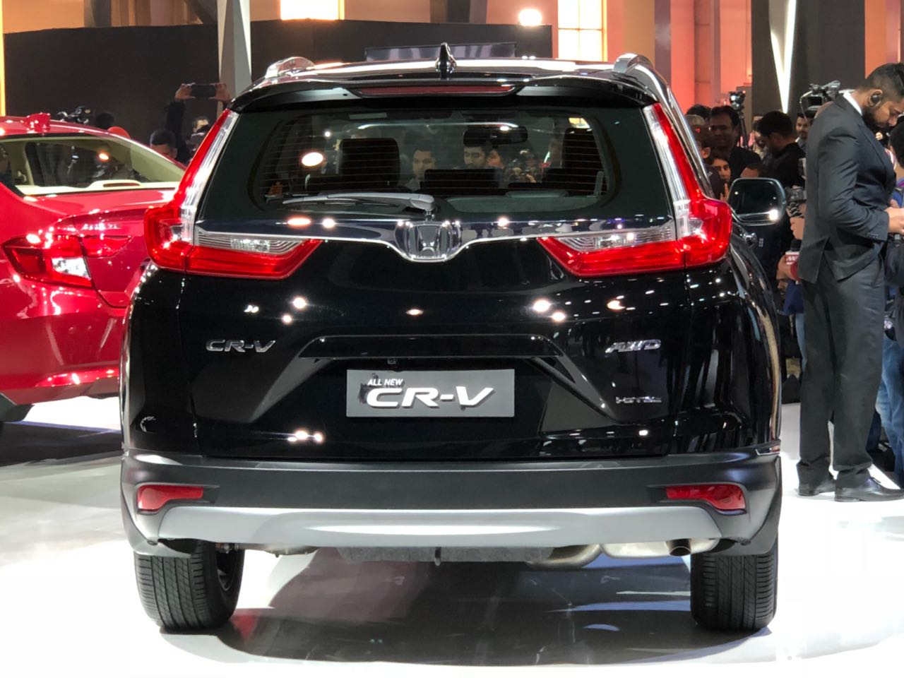 all new honda crv 2018 unveiled at auto expo 2018 details images. Black Bedroom Furniture Sets. Home Design Ideas