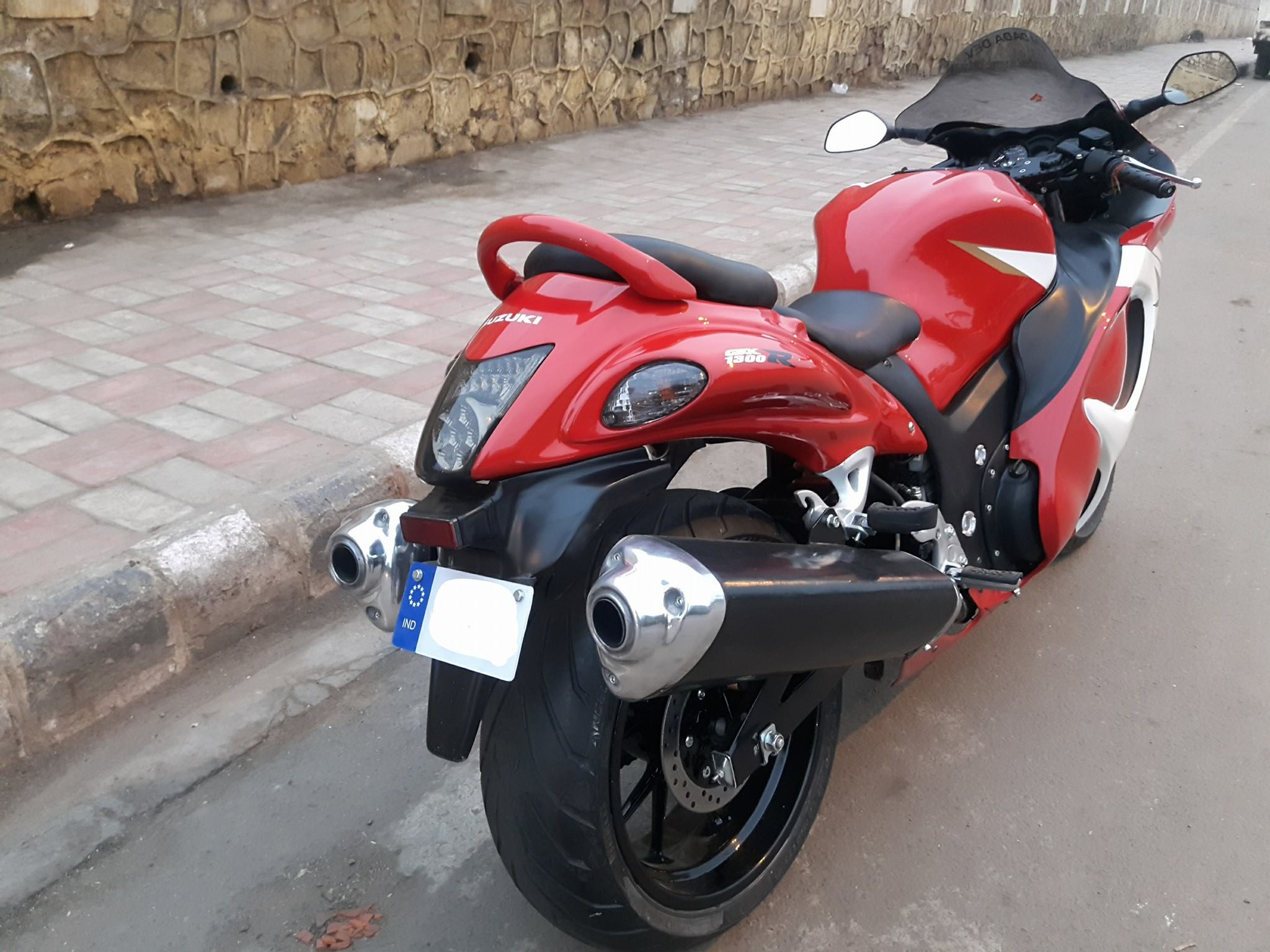 Suzuki debuts 2018 Hayabusa in India