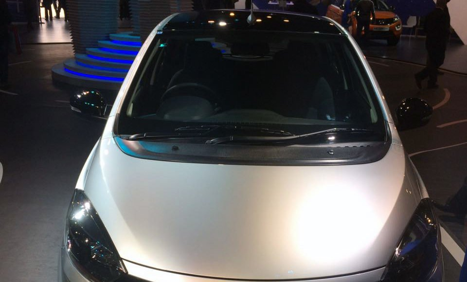 tata tiago electric vehicle images front