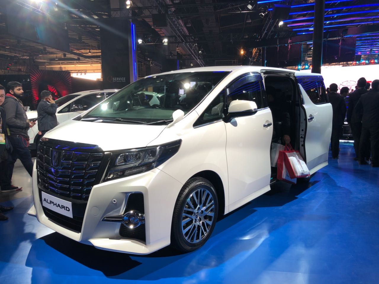 Toyota Alphard India Debut Takes Place At Auto Expo 2018