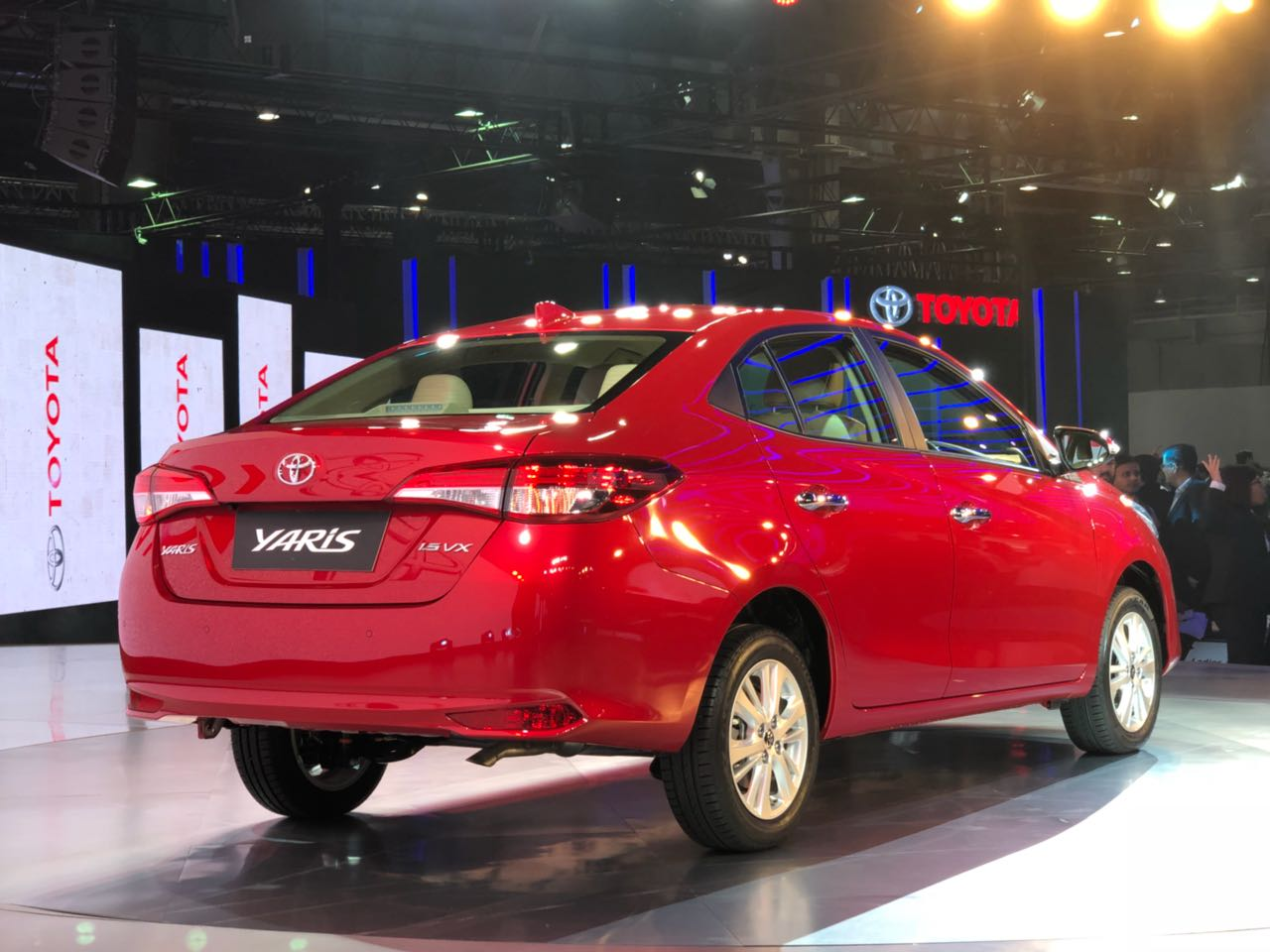 toyota yaris debuts in india at auto expo 2018 to rival honda city. Black Bedroom Furniture Sets. Home Design Ideas