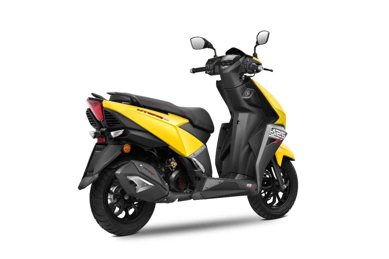 tvs ntorq 125 cc automatic scooter launched price rs 58 750. Black Bedroom Furniture Sets. Home Design Ideas