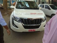 Mahindra XUV500 Facelift spy shot 2