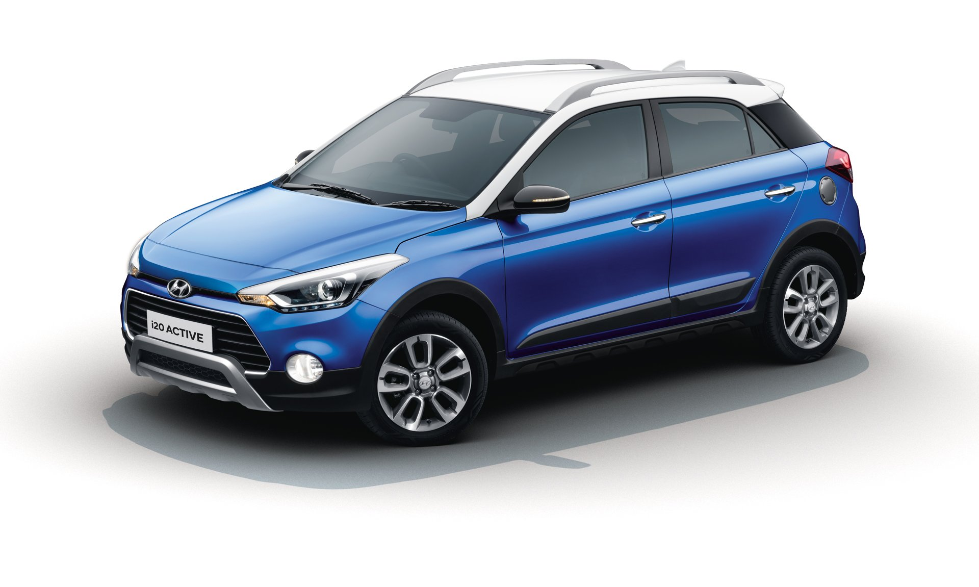 hyundai i20 active launched with minor updates in india. Black Bedroom Furniture Sets. Home Design Ideas