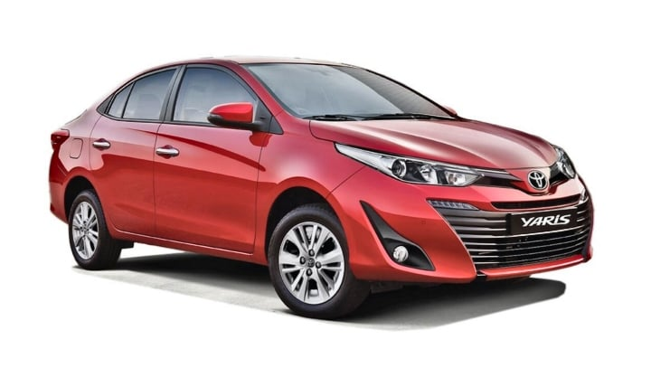 toyota yaris vs Honda city image two