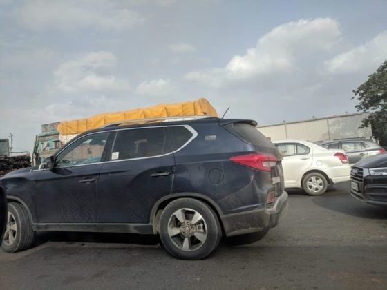 Mahindra XUV700 SUV