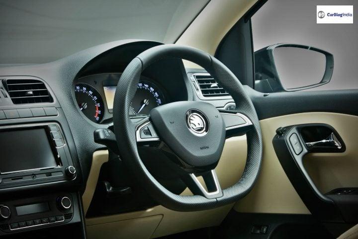 Skoda Rapid Onyx Edition interiors image