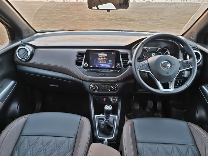Nissan Kicks interior image