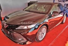 2019 toyota Camry side front image
