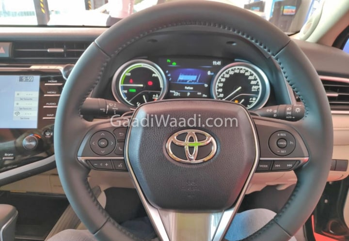 2019 toyota camry steering image
