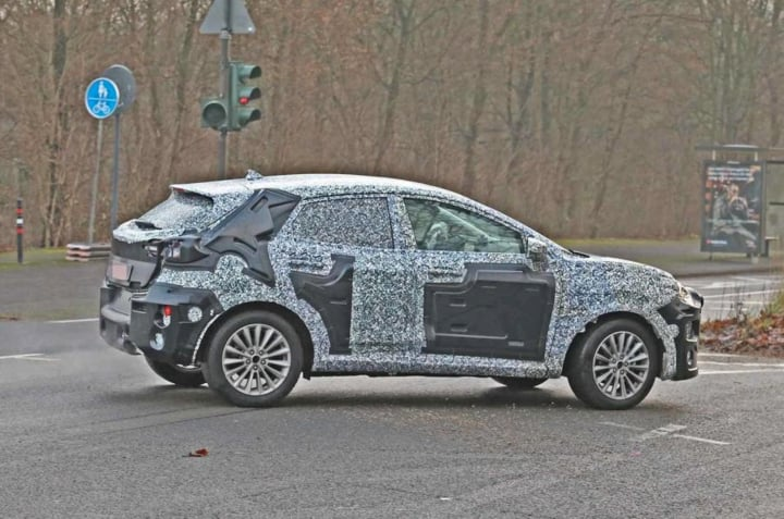 2020 ford ecosport rear side image