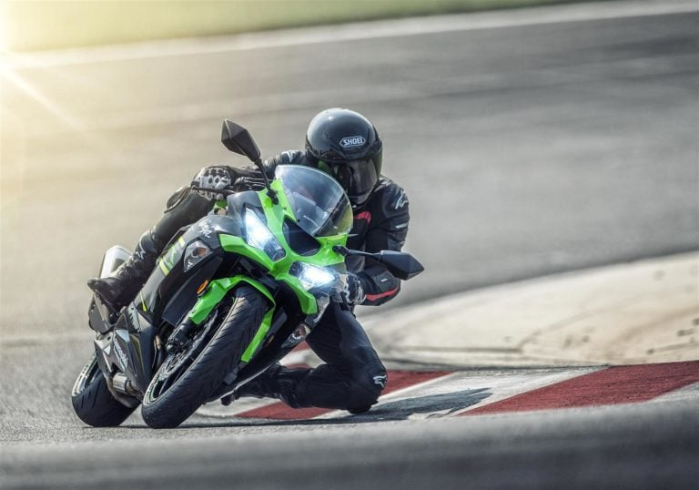 Kawasaki Ninja ZX-6R launched; priced at Rs 10.49 Lakhs